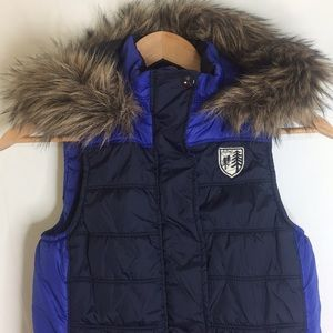 American puffer vest with detachable fur hood
